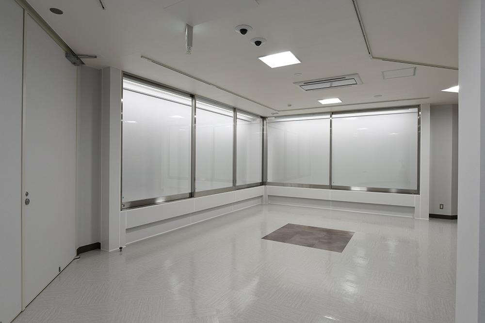 南アルプス市美術館常設展示室